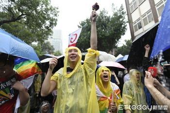 台湾「同性婚」法案可決3.jpg
